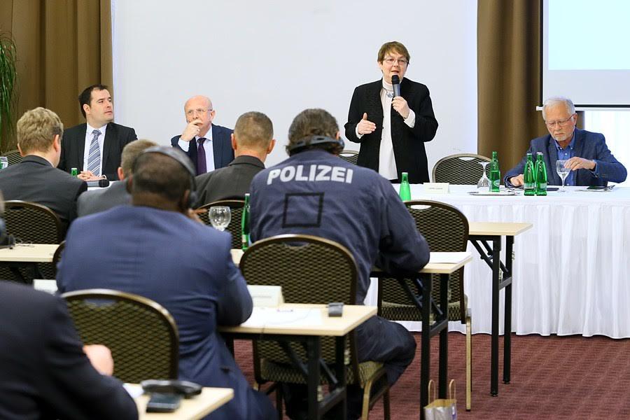 Európai uniós szakbizottság tekintette át a magyar határvédelmet Csongrád megyében